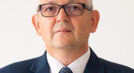 Profesorul zălăuan Alexandru Mureșan atacă dur Guvernul pentru că nu asigură măști elevilor