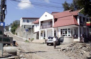 În Jibou se află cea mai urâtă și cea mai frumoasă stradă din Sălaj