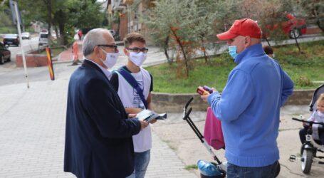 Profesorul Alexandru Mureșan, de vorbă cu zălăuanii în cartierul Brădet