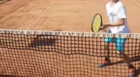 VIDEO. Este incredibil ce face acest copil de 10 ani din Zalău pe terenul de tenis