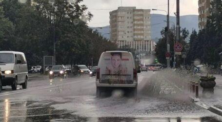 Alertă de furtună în Zalău: grindină, descărcări electrice, ploaie torențială