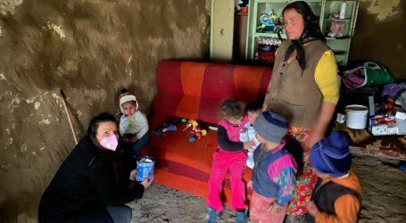 VIDEO. O avocată din Jibou a realizat o DONAȚIE importantă pentru mama cu cei 13 copii ce trăiește pe malul Someșului