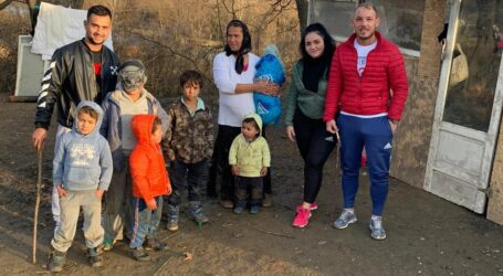 Un grup de tineri din Zalău, DONAȚIE importantă pentru familia cu 13 copii