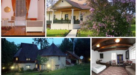 Într-un sat din Sălaj, mai multe conace dărăpănate au fost transformate în pensiuni luxoase