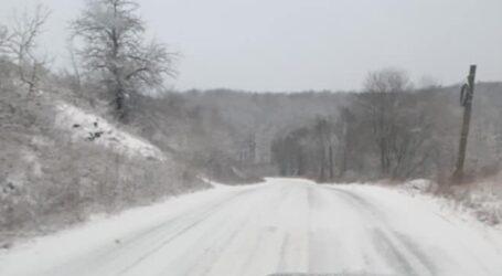 Mai multe drumuri județene din Sălaj, sub zăpadă