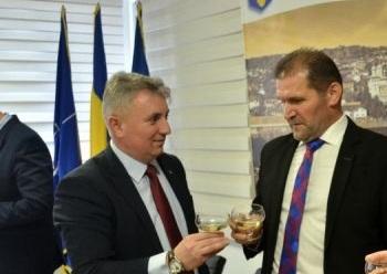 Ruptură între liberalii Bode și Virgil Țurcaș? Ministrul a dat prefectura la UDMR și l-a acuzat pe prefect de sporuri necuvenite