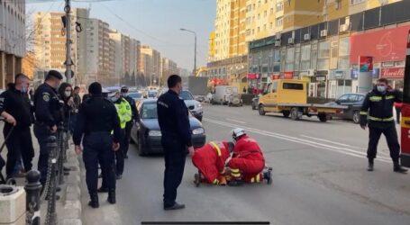 VIDEO. Accident în centrul Zalăului: o tânără șoferiță a lovit o femeie în vârstă care traversa strada prin loc nepermis