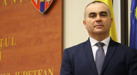 """Cosmin Vlaicu, președintele Asociației Secretarilor Județelor din România urează tuturor doamnelor și domnișoarelor """"La mulți ani"""""""