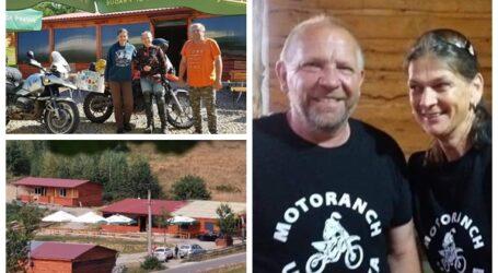 Doi motocicliști din Cehia s-au stabilit într-un sătuc din Sălaj unde investesc zeci de mii de euro: nu cunosc limba română, dar iubesc România