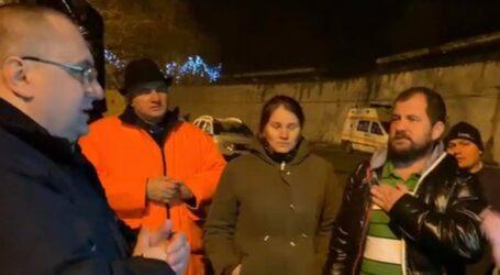Europarlamentarul PNȚCD Cristian Terheș, în mijlocul minerilor care protestează la Lupeni