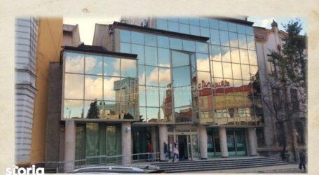Clădirea din centrul Zalăului în care funcționează BCR se vinde cu 1,13 milioane de euro