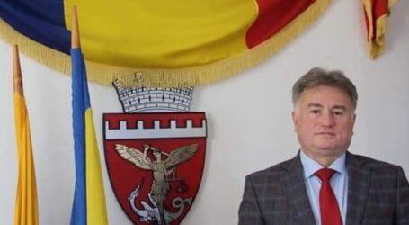 """Primăria Zalău și primarul Ionel Ciunt urează tuturor doamnelor și domnișoarelor din municipiu """"La mulți ani!"""""""