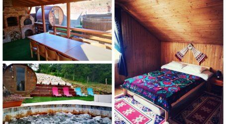 Cabana de la poalele Meseșului – cum arată una dintre cele mai inedite locații din Sălaj unde poți să petreci un weekend de poveste