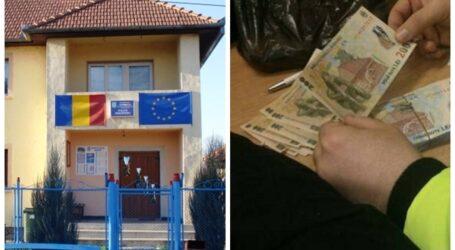 JOS PĂLĂRIA! Un polițist din Nușfalău a refuzat o șpagă de 1.000 de euro