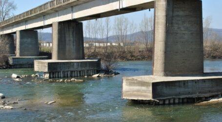 Vești bune pentru locuitorii comunei Năpradea: se reabilitează podul peste Someș