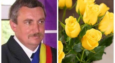 """Pop Emeric, directorul SC Pază Obiective și Intervenție SRL urează tuturor doamnelor și domnișoarelor """"La mulți ani"""""""