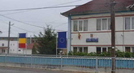 Primăria Someș-Odorhei dă vina pe coronavirus în cazul copiilor care se simt discriminați privind transportul spre liceu