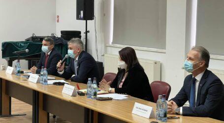 În prezența ministrului Bode, prefectul de Sălaj a recunoscut că sunt probleme pe șantierul autostrăzii Zimbor – Poarta Sălajului