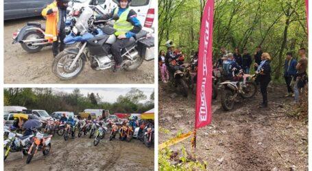 VIDEO. Spectacol moto la Năpradea – peste 60 de motocicliști din România au făcut show de 1 Mai