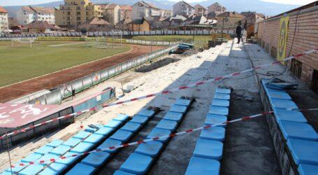 """Primăria Zalău a """"spoit"""" Stadionul cu 900 de euro"""