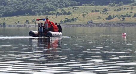 ULTIMA ORĂ! Bărbatul căutat în Lacul Vârșolț a fost găsit DECEDAT