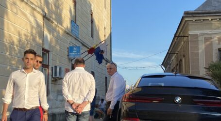 Septimiu Țurcaș așteaptă rezultatul alegerilor la sediul PNL