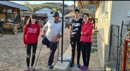 O familie din comuna Năpradea are nevoie de ajutorul nostru, după ce tata a doi copii a rămas fără un picior