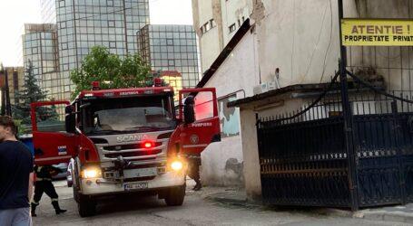 ULTIMA ORĂ! Incendiu la magazinul Carrefour din centrul Zalăului (VIDEO)