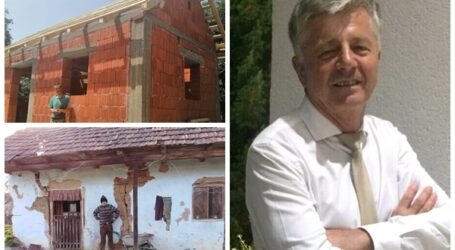 Profesorul Ioan Leitan a construit din DONAȚII o casă nouă unui bărbat foarte sărac și bolnav din comuna Măeriște