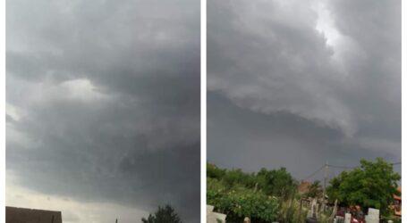 Furtună în Vestul Sălajului! Rafalele vântului depășesc 60 km/h – Mesaj RoAlert și pentru Zalău