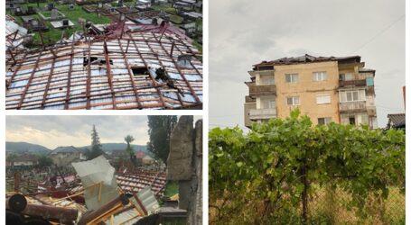 Imagini de GROAZĂ din Jibou! Acoperișurile a numeroase blocuri din oraș au fost distruse de furtună