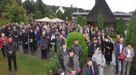 Sute de credincioși au participat la Hramul Mănăstirii Bic