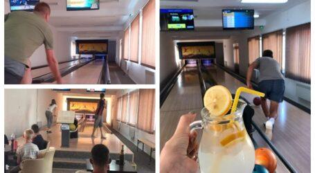 Într-un sat din Sălaj s-a deschis o sală inedită de bowling. Investiția primăriei a fost finanțată cu bani europeni