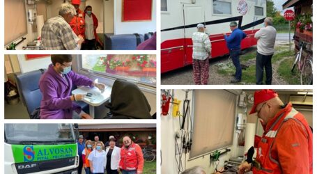 FOTO. Spitalul mobil de la Salvosan Ciobanca a consultat GRATUIT zeci de locuitori ai comunei Năpradea