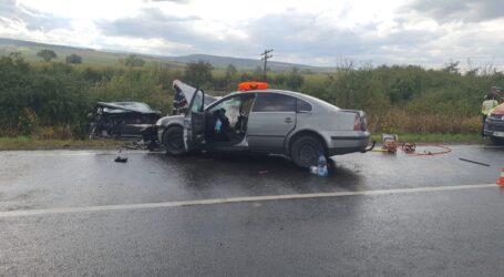 ULTIMA ORĂ! Accident GRAV în Bocșa. 4 victime, o persoană încarcerată