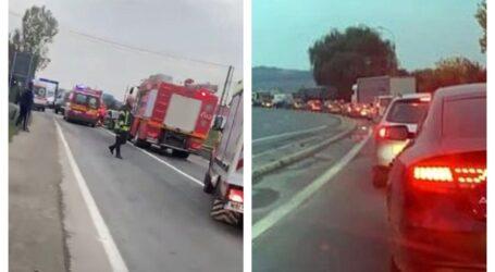 FOTO. 3 mașini implicate într-un grav accident la ieșirea din Zalău spre Panic