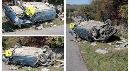 FOTO. Accident spectaculos în Creaca: șoferul, un tânăr din Jibou, a scăpat ca prin minune
