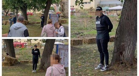 FOTO. Siguranță și încredere? Un polițist din Șimleu Silvaniei a mers la muncă îmbrăcat cu două piese de uniformă, pantaloni mulați și adidași